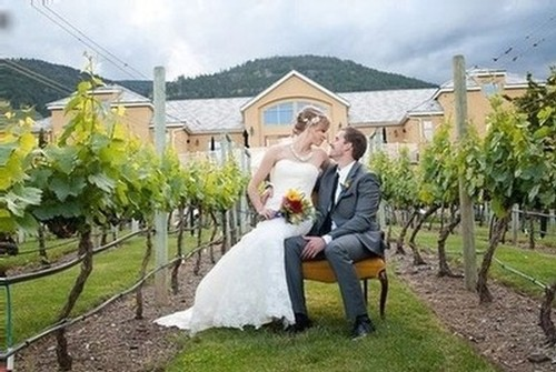 Weddings at Tinhorn Creek and Miradoro